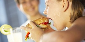 Çocukların beslenmesinde hazır gıda tehlikesi