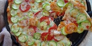 Kabaklı Domatesli Pizza