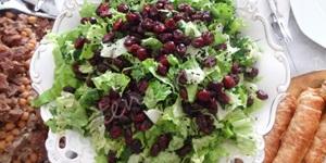 Yaban Mersinli Salata