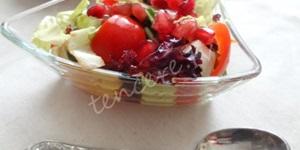 Narlı Yeşillik Salatası