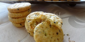 Peynirli Çörekotlu Kraker