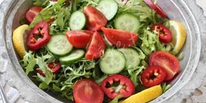 Sarımsaklı Endiyven Salatası