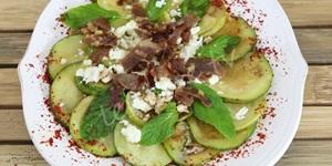 Tulum Peynirli Ilık Kabak Salatası